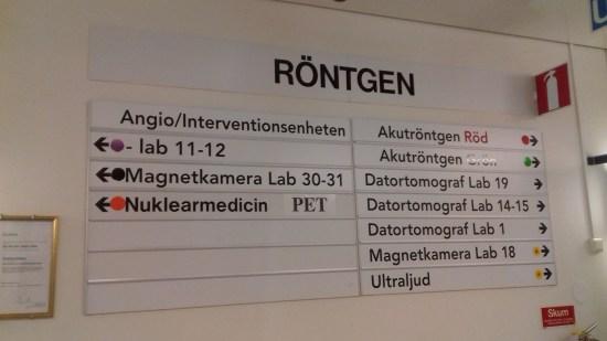 Skylten till Nuclearmedicin, Karolinska Foto: Elisabet Höglund