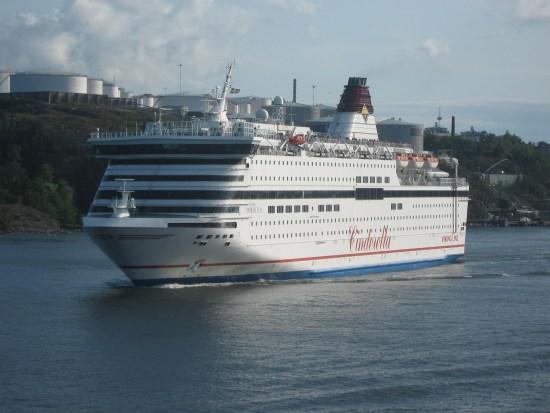 Det var ombord på finlandsfärjan M/S Viking Cinderella den 23 september som en man försöker mörda en närstående kvinna. Bild: en.wikipedia.org
