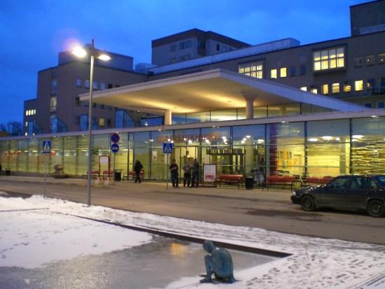 Mannen avled senare på Södersjukhuset i Stockholm. Bild: mapio.net