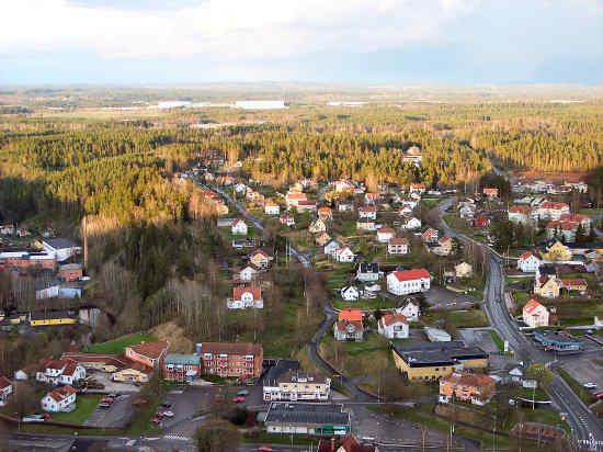 En man i 30-årsåldern utsätts för grov misshandel av en 50-årig man i Norrahammar. Bild: jsbs.se