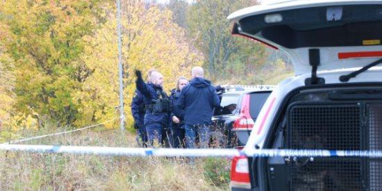 Polisen letar med hundpatruller efter en misstänkt gärningsman i Kaxholmen. Bild: jmini.se