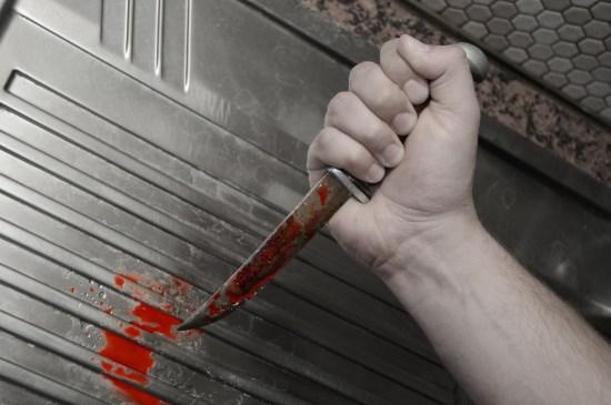 Blodig kniv Copyright: Fotokon/Dreamstime.com Bilden har inget med mordförsöket i Tumba att göra