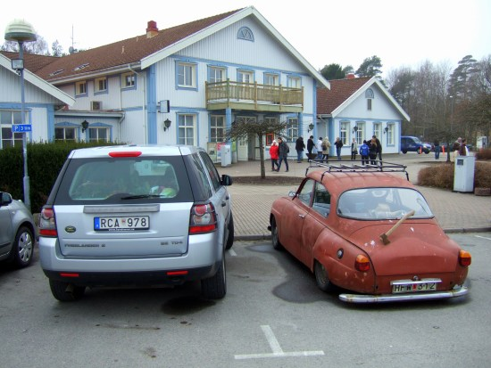 Det är här i Tvååker i Varbergs kommun som en 19-åring blir knivskuren av en clownmaskerad man. Foto: mapio.net