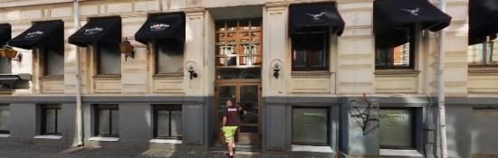 Fyra fall av grov misshandel, alternativt mordförsök, begicks i samband med ett jättebråk här på Rockbaren på Lorensbergsgatan i centrala Göteborg. Bild: hitta.se