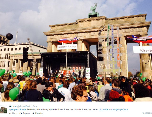 Photo People's Climate March: Crowd in Berlin.