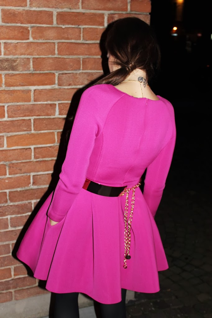 LOVE AND PEACE IN RADIANT ORCHID MODAfashion Fashion
