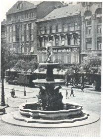 szobrok-danubius-kut-194-old