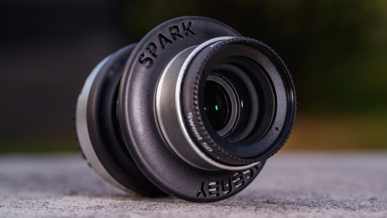 Обзор Lensbaby Spark 2.0 |  PCMag