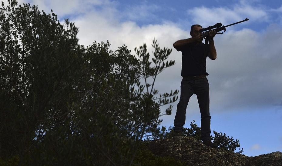 El Gobierno andaluz respalda la caza como motor económico que fija la población en las zonas rurales