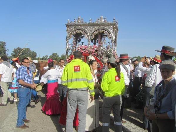 Más de 2.600 romeros, 200 caballos y 34 carretas han cruzado este miércoles por Bajo de Guía