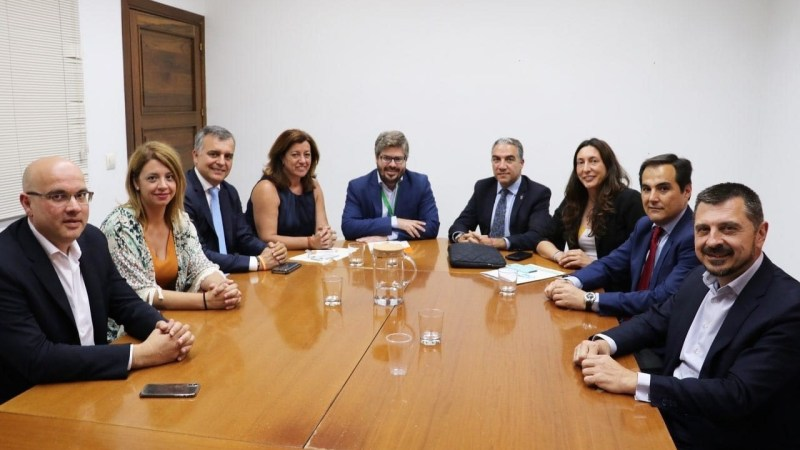 "PP-A y Cs anuncian un acuerdo de gobernabilidad para ""un amplio número de municipios de Andalucía"""