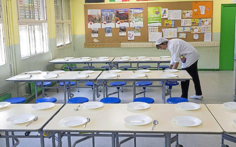 """Escuelas de Calor defiende que los comedores escolares """"no pueden ser un negocio"""" sino """"un servicio y público"""""""