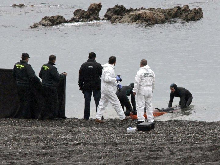Cuatro marroquíes vuelven a nado a su país y otros dos son interceptados