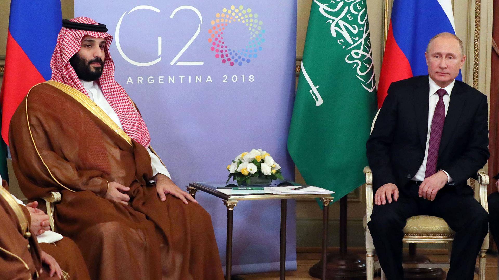 Arabia Saudita y Rusia acuerdan un recorte récord de la producción de petróleo
