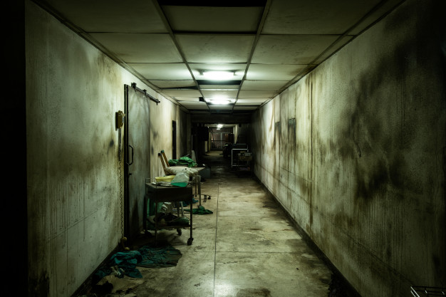 Miedo en el antiguo psiquiátrico