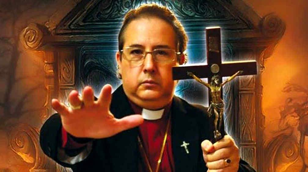 Exclusiva: entrevista al obispo exorcista Manuel Acuña