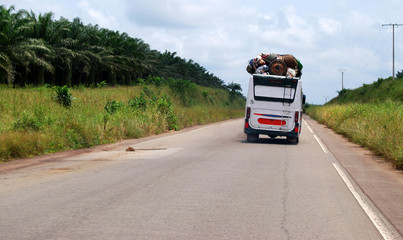 Traveling Expenses from Nigeria to Côte D'Ivoire (Abidjan) by Road