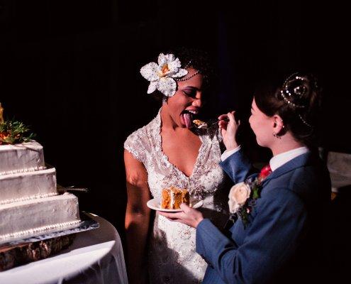 cake cutting - club helskini wedding