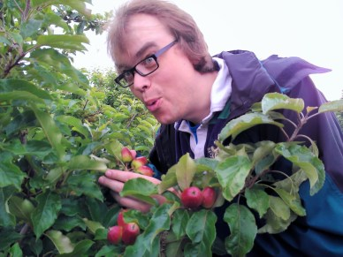 Davy experiencing Hill Farm apples