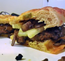 Beechcroft beef burgers with Lyburn Gold