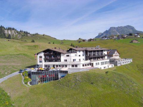 hotel-arlberg-sommer-goldener_berg-anfahrt-5e92d9e3