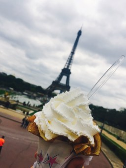 Crepes in front of the Eiffel Tower - what could be better?