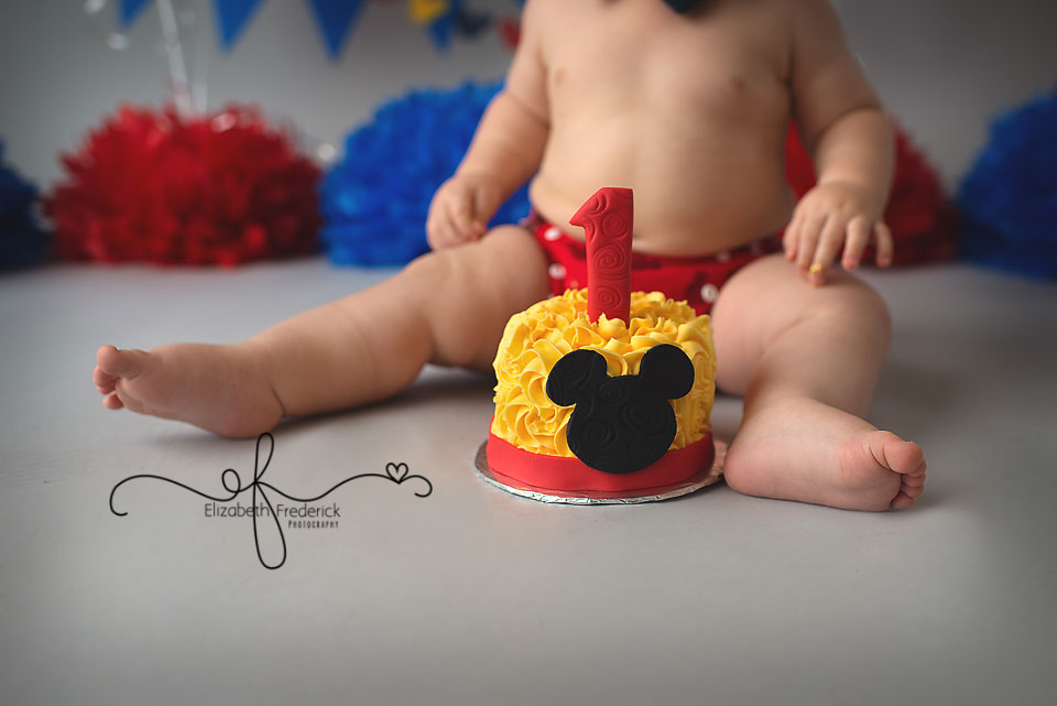 mickey mouse smash cake bodie hamden ct smash cake photographer 5888