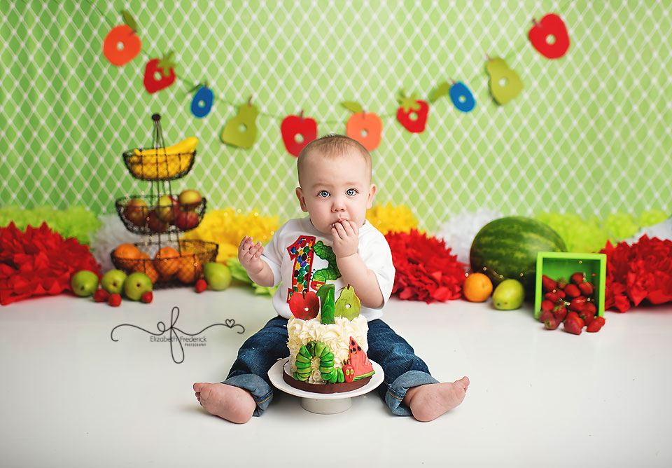 Very Hungry Caterpillar First Birthday Smash Cake Photography session with CT Smash Cake Photographer Elizabeth Frederick Photography