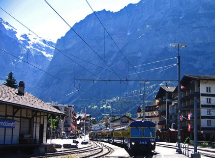 Grindelwald station (1034m): change trains and keep going up!