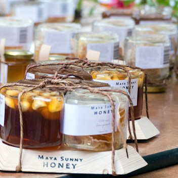 Honey at the market