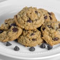 Flourless Oatmeal Peanut Butter Chocolate Chip Cookies