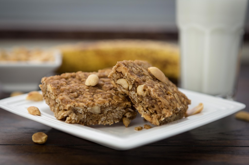Oatmeal Peanut Energy Bars 3