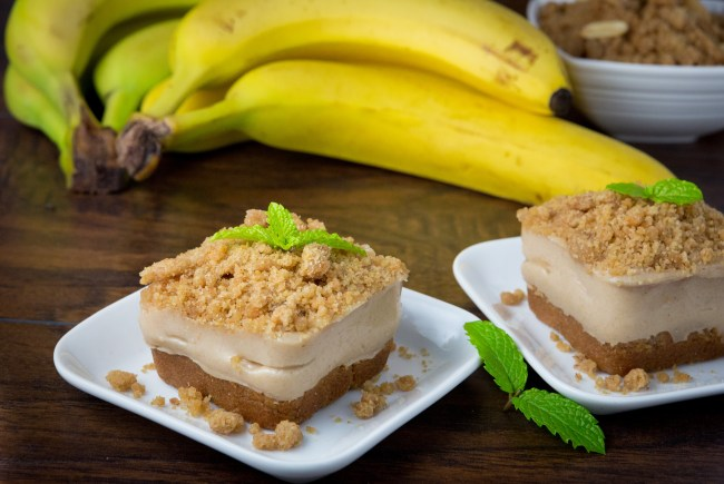 Healthy Mini Banana Cream Pies