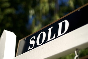 Sacramento-real-estate-agent-sold-sign.300x201
