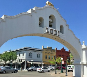 welcome arch to Lodi