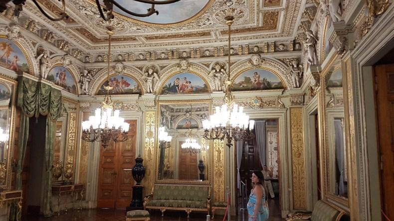 Dentro do palácio um dia antes de entrar em trabalho de parto. Rio de Janeiro