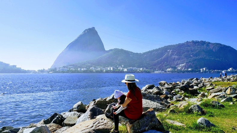 Manhã fresca no aterro do Flamengo, Rio de Janeiro. enfim enquanto então entretanto eventualmente igualmente inegavelmente inesperadamente mas outrossim pois porquanto porque portanto posteriormente precipuamente primeiramente primordialmente principalmente salvo semelhantemente similarmente