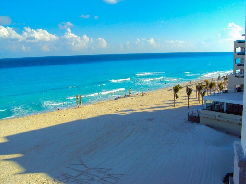 Mar de Cancún visto da janalea