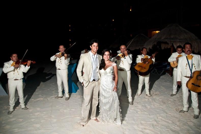 Mariachis animando o casamento em Cancún