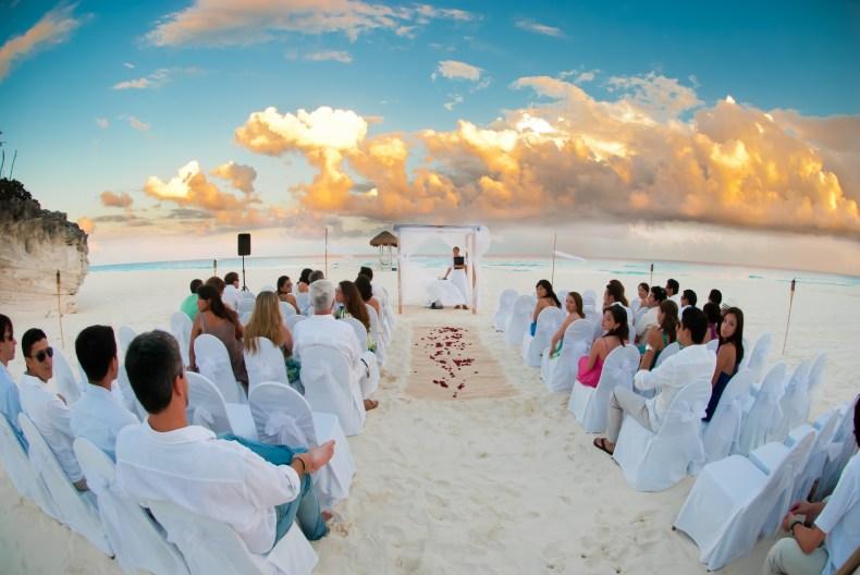 Cerimônia de casamento em praia de Cancún, na Riviera Maya