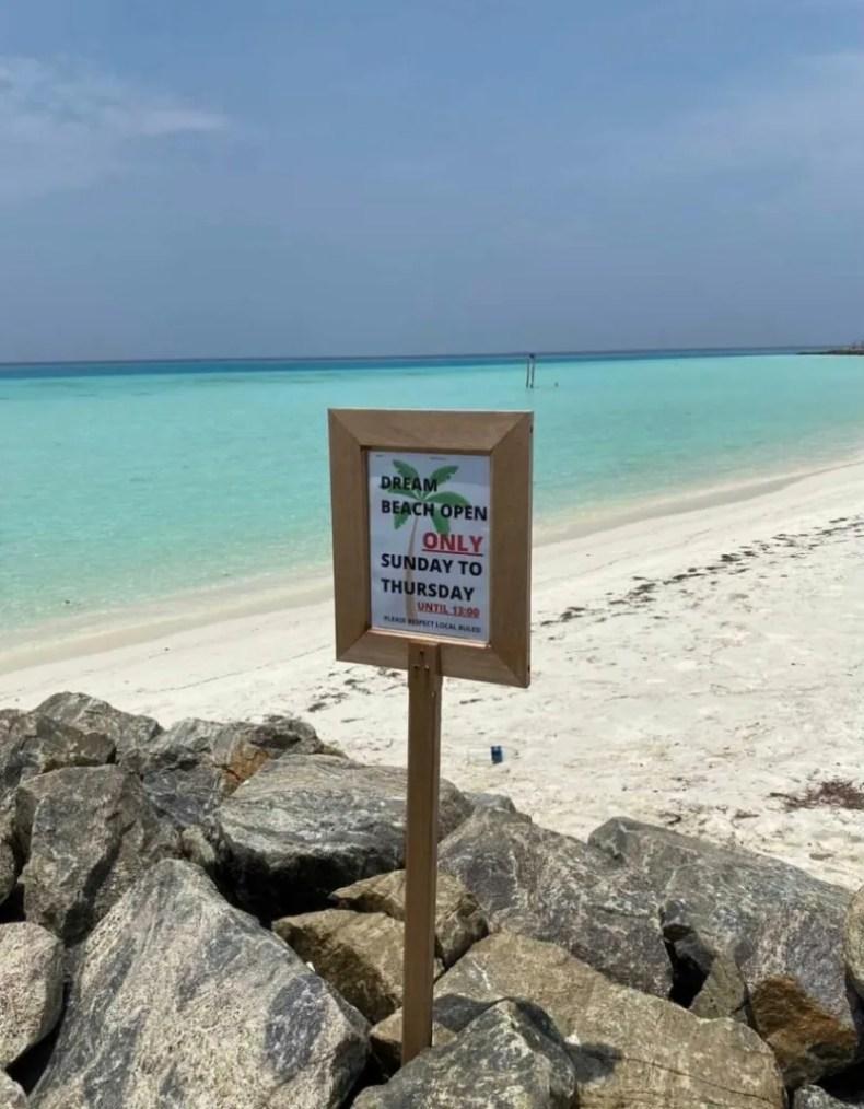 Ilhas Maldivas. enfim enquanto então entretanto eventualmente igualmente inegavelmente inesperadamente mas outrossim pois porquanto porque portanto posteriormente precipuamente primeiramente primordialmente principalmente salvo semelhantemente similarmente
