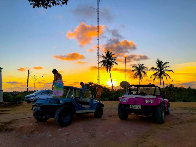 Buggy ao por do sol em São Miguel dos Milagres, Alagoas
