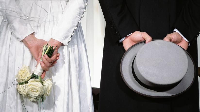 Resultado de imagen para Sorprende a su prometido cuando abusaba sexualmente de una dama de honor