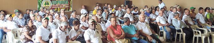 Delegados asistentes a la asamblea general extraordinaria de comercio justo.