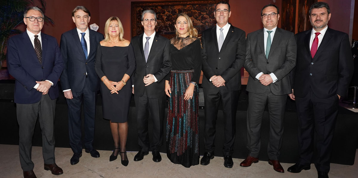 De izquierda a derecha, los señores Javier Sancho, Juan Carlos Ramos, Isabel García Lorca, René Grullón, Encarna Piñero, Juan Manuel Martín de Oliva, Didier Recton y José María Mayans.