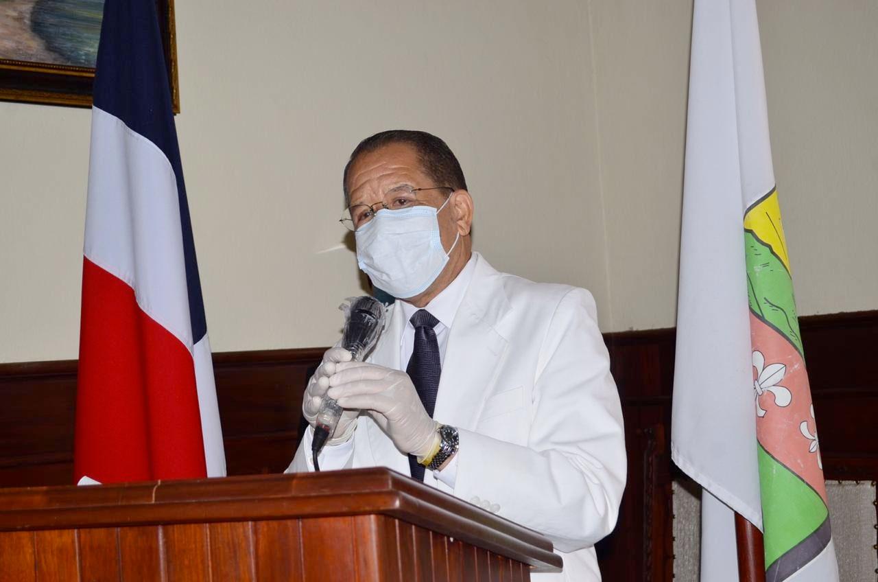 Siquio NG de la Rosa, pronuncia su discurso de entrada como alcalde municipal de SFM.