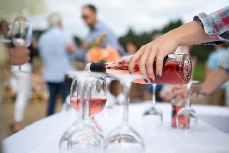 outdoor wine service Rosé