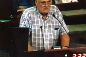 Gary Puryear speaks at the August 8 Elk Grove City Council Meeting