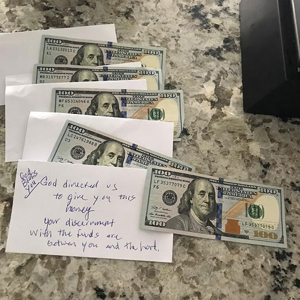 Anonymous Group In Elk Grove Pays It Forward with $100 Bills