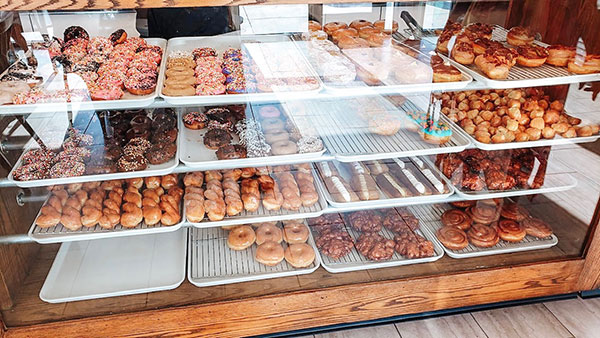 Elk Grove Donuts Holds Grand Opening